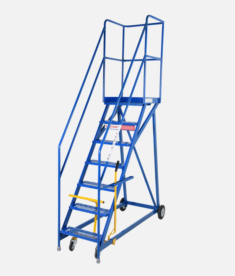 Narrow base steps for warehouse