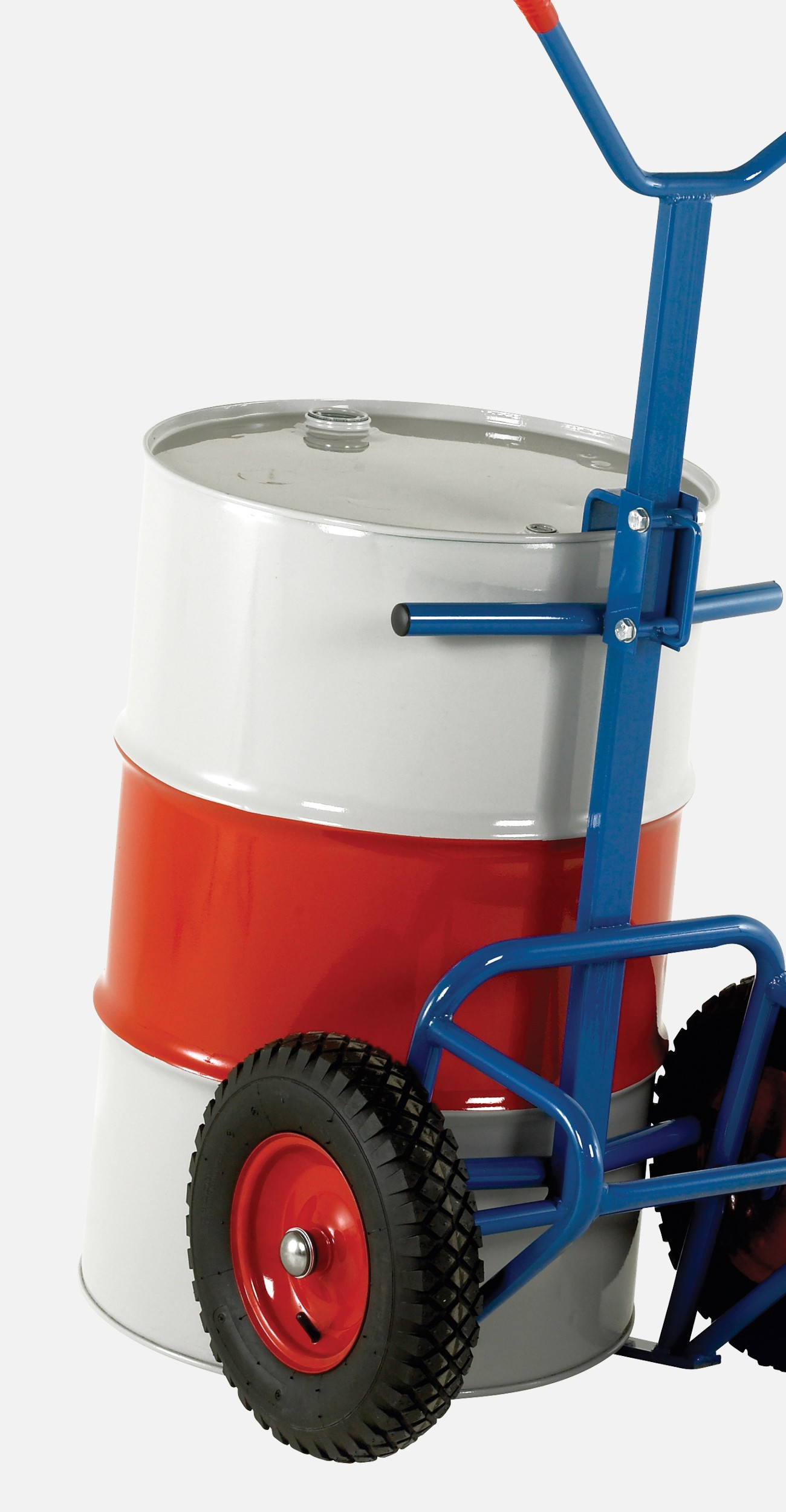 a drum sat on a lifter
