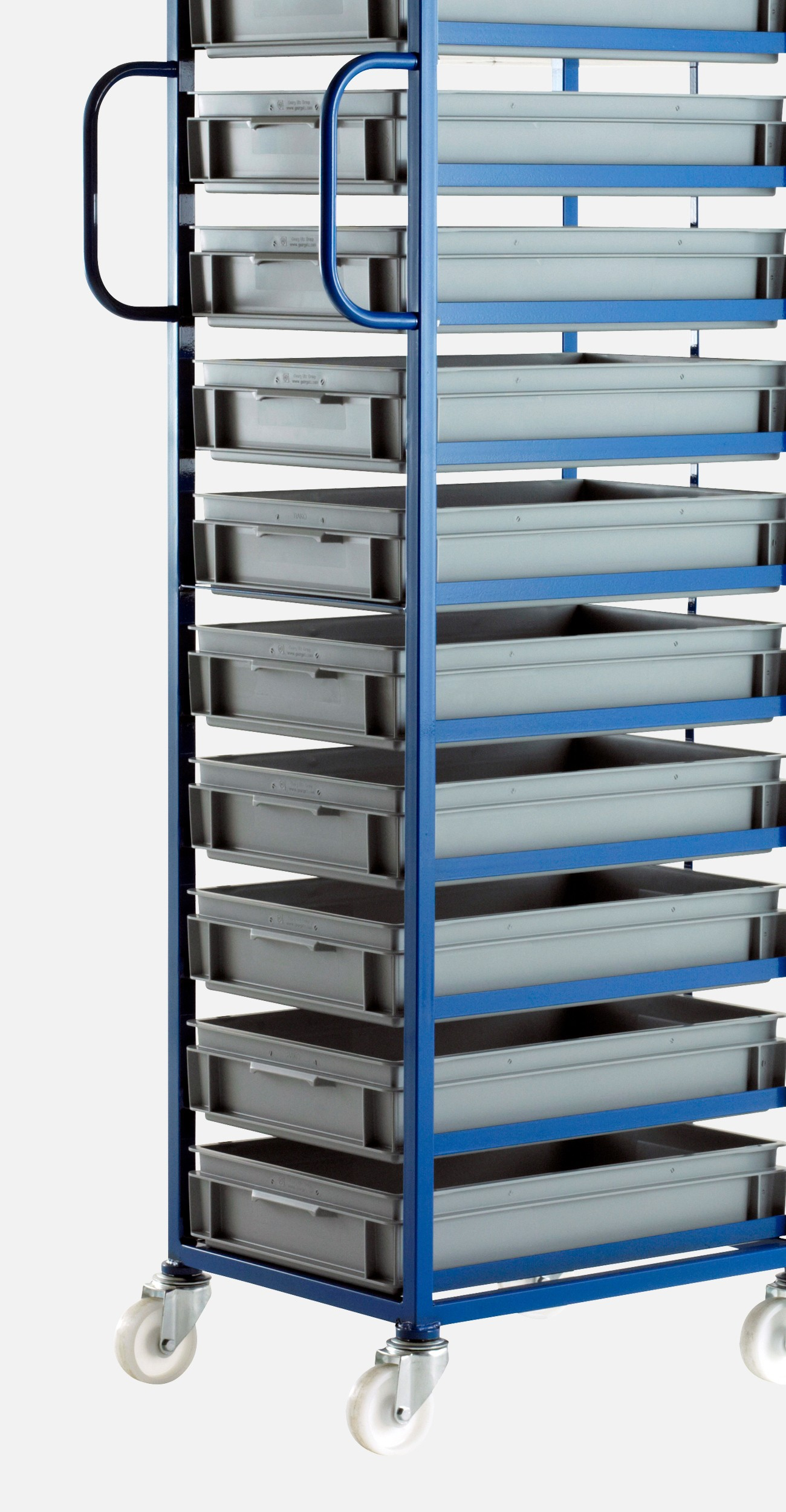 trays in mobile tray rack